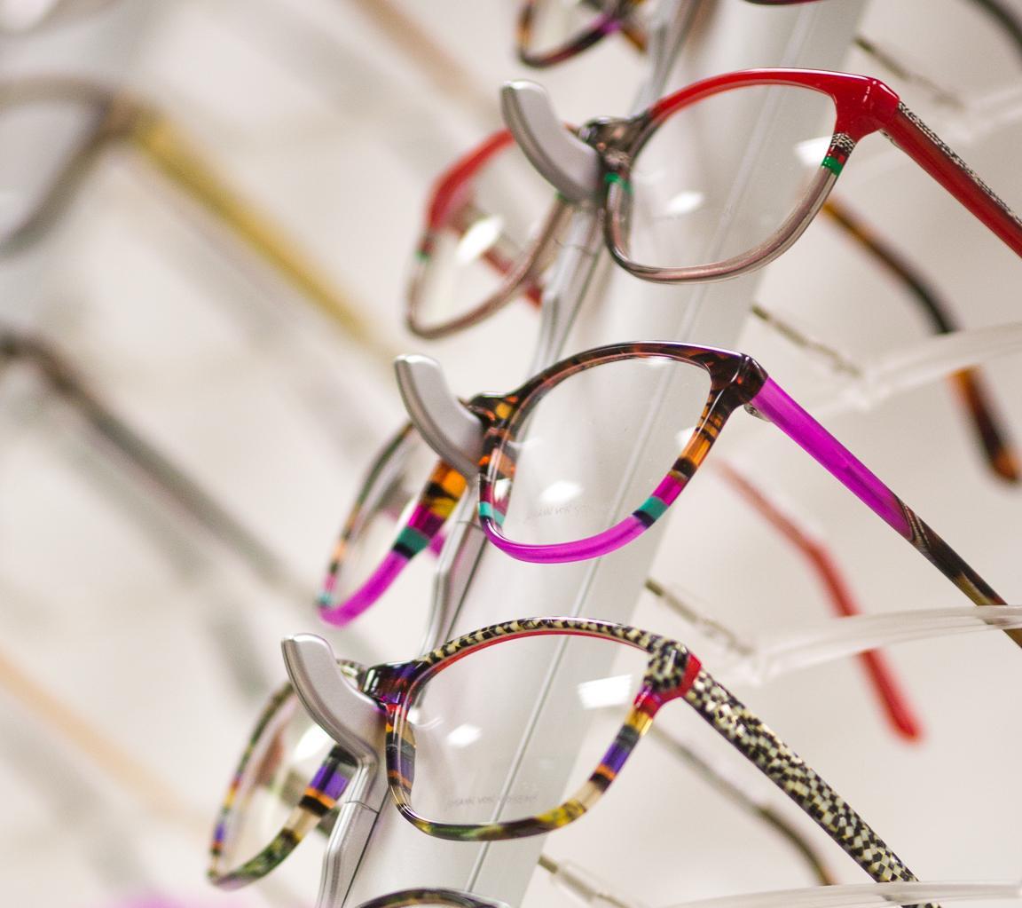 Kollektion von mehreren Brillen