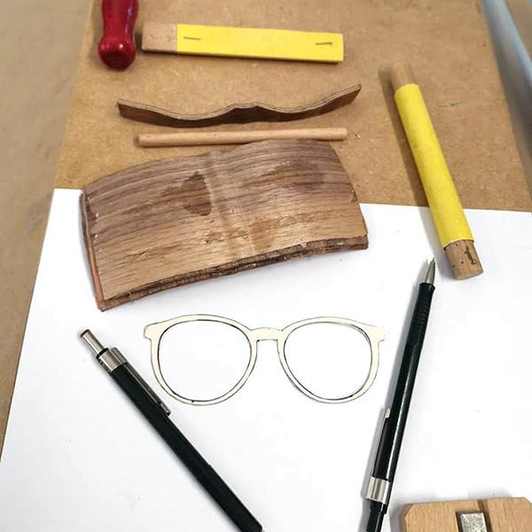"""""""Handmade"""" Holzbrillen bei Wagner Optiker #1"""